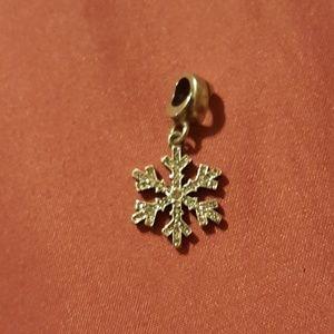 Jewelry - Snowflake charm